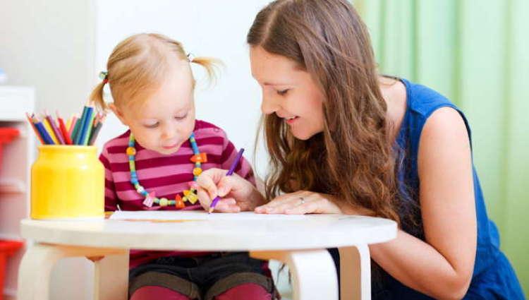 devenir-educatrice-de-jeunes-enfants